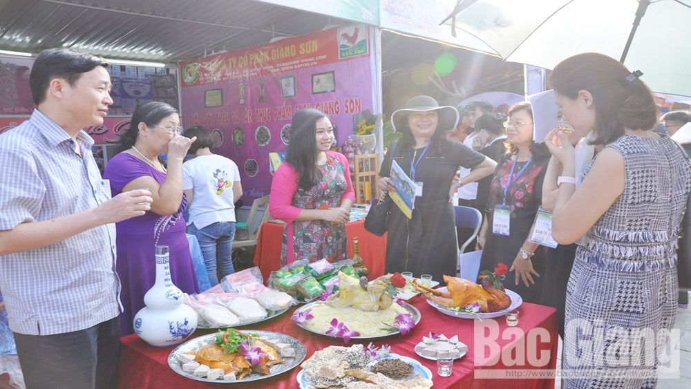 Bac Giang province, third prize, national food festival,  Information and Tourism Promotion, traditional culinary products, Yen The hill chicken, Ke rice cracker, Chu rice noodle, Van wine, Ban Ven green tea