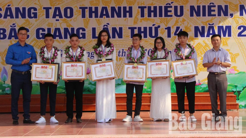 30 prizes, creativity competition, Bac Giang province, Union of Science and Technology Associations, award ceremony, nicest model, youngest contestants, national competition