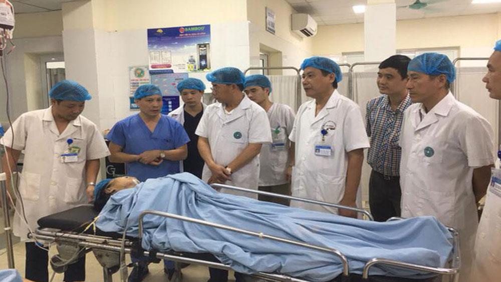 Khẩn trương cấp cứu các nạn nhân vụ tai nạn đường sắt tại Hà Đông, Hà Nội