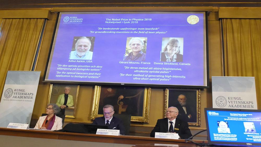 Nobel Vật lý 2018 vinh danh 3 nhà khoa học về những phát minh mang tính đột phá trong lĩnh vực vật lý laser