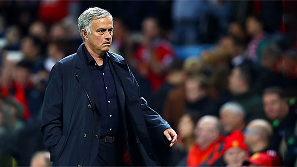 Mourinho có mạch không thắng trên sân nhà dài nhất sự nghiệp