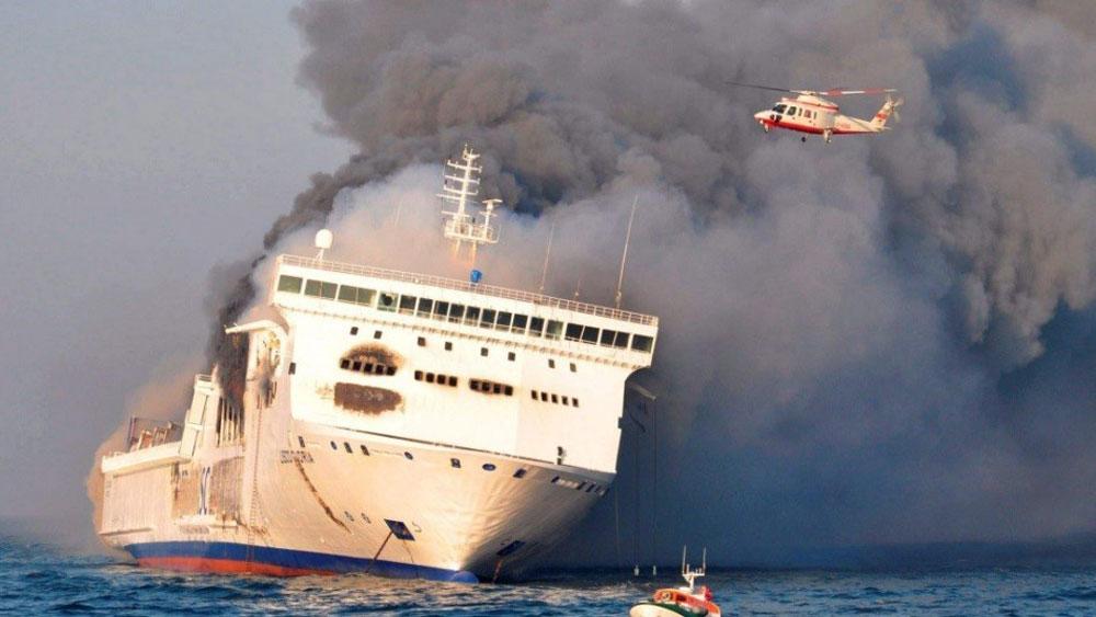 Dập tắt đám cháy trên phà chở 335 người ở biển Baltic
