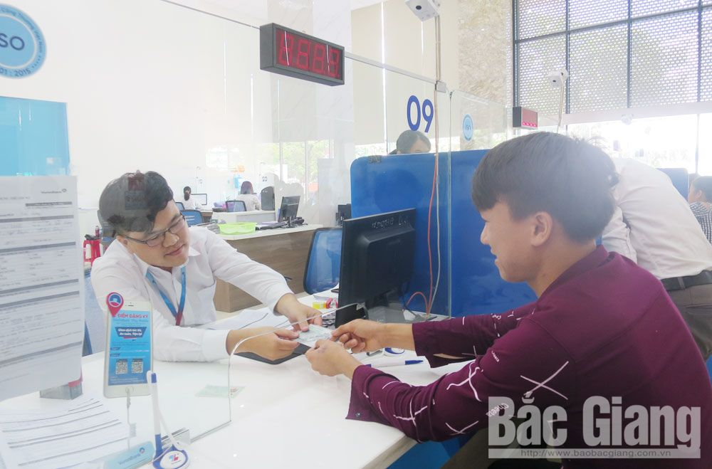 Non-cash payments, Bac Giang province, card payment, automated teller machines, bank transfer, Internet Banking service, precise payments