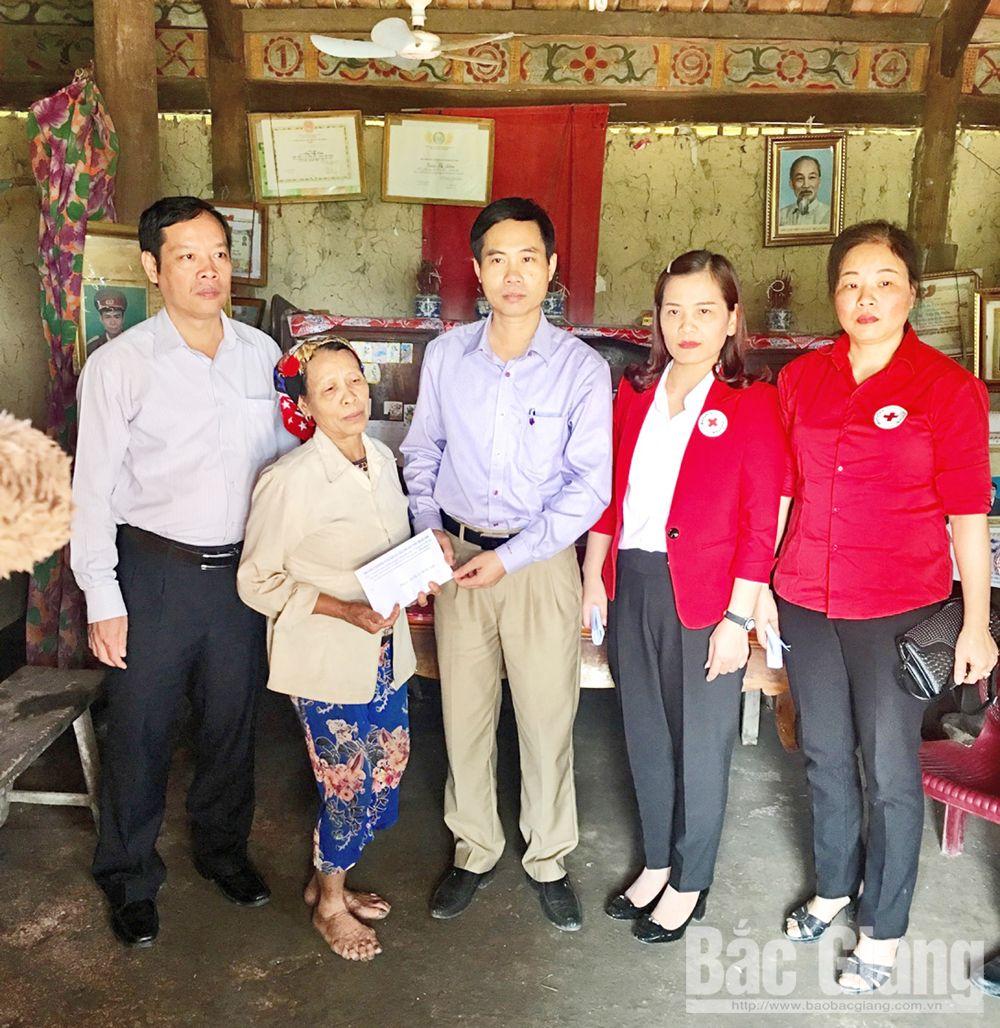 """""""Mỗi tổ chức, cá nhân gắn với một địa chỉ nhân đạo"""", nhận được sự hỗ trợ từ các nhà hảo tâm.  Hội Chữ thập đỏ tỉnh"""