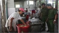 TP Hồ Chí Minh:  Phi hành, tỏi bằng dầu cặn... màu nâu