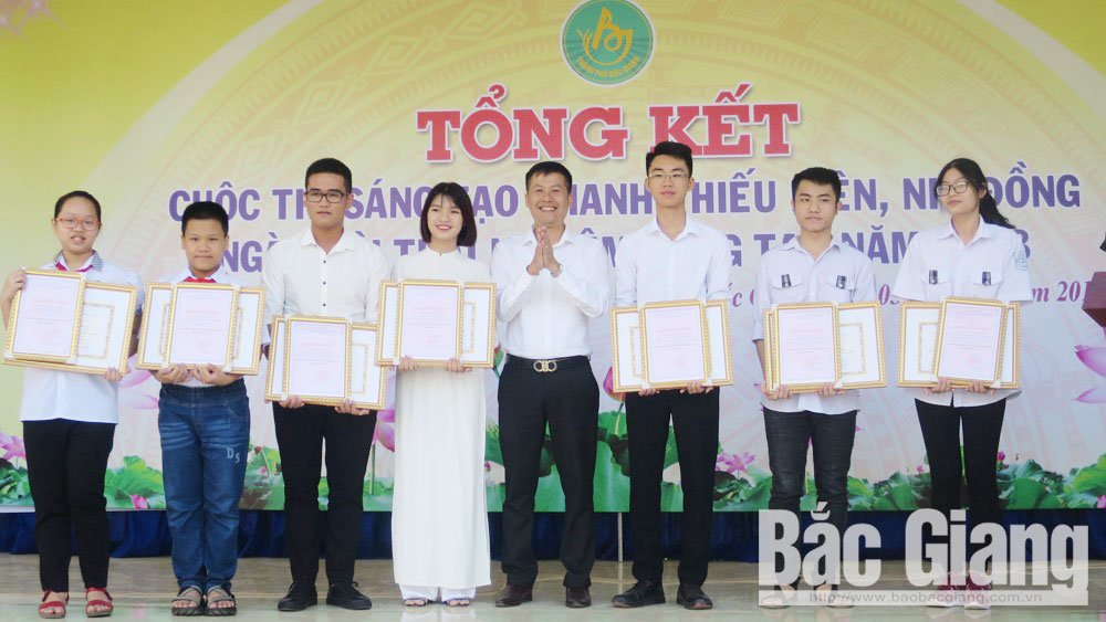 Bac Giang province, inventors, groups of inventors, awarding ceremony, Innovation Contest, youth and teenager