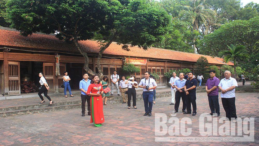 Tham quan, khảo sát một số điểm du lịch tại huyện Yên Dũng và Lục Nam