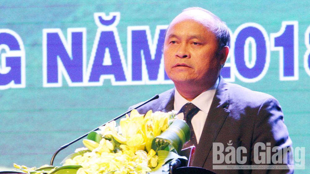 Chủ tịch UBND tỉnh Nguyễn Văn Linh phát biểu khai mạc hội nghị.