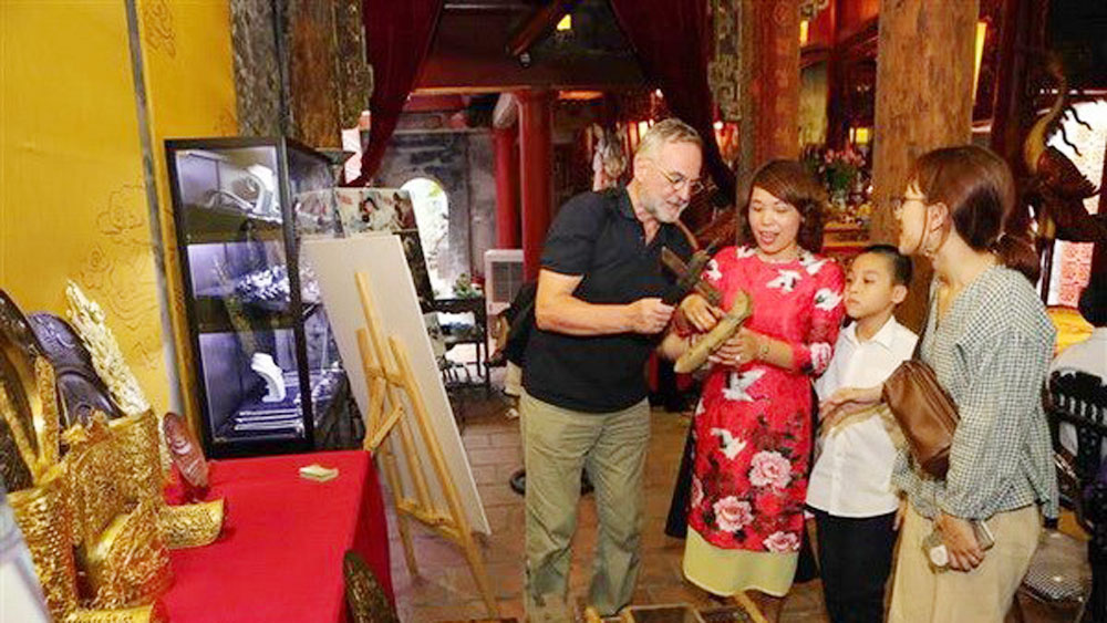 Cultural activities celebrate Hanoi's liberation anniversary
