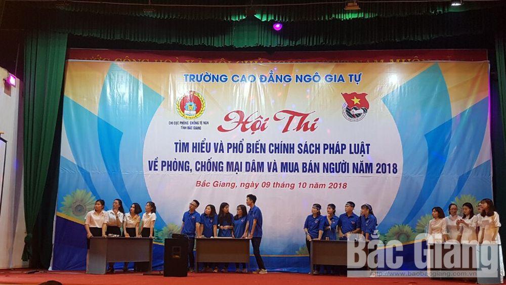 Sinh viên thi tìm hiểu pháp luật về phòng chống mại dâm