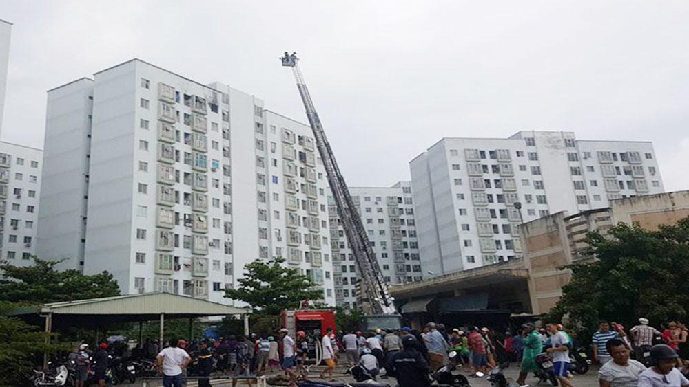 Nổ gas, chung cư 12 tầng, hàng trăm người, hoảng loạn