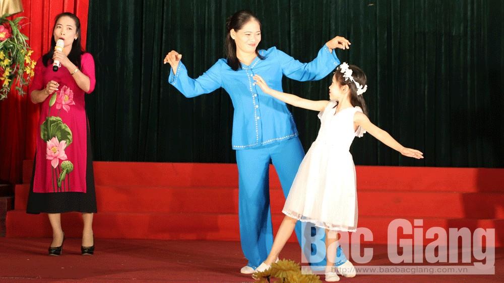 Lục Ngạn: 200 diễn viên quần chúng biểu diễn tại Liên hoan hát ru và hát  dân ca