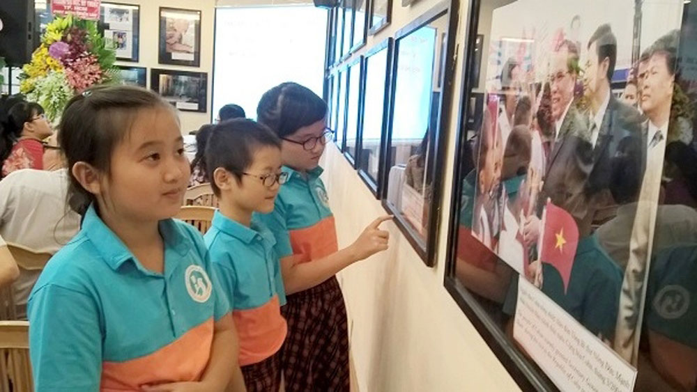 Exhibition highlights Vietnam – Cuba friendship and solidarity