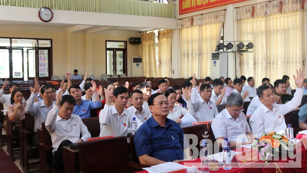 HĐND huyện Yên Dũng họp bất thường, thông qua nhiều dự án làm đường giao thông