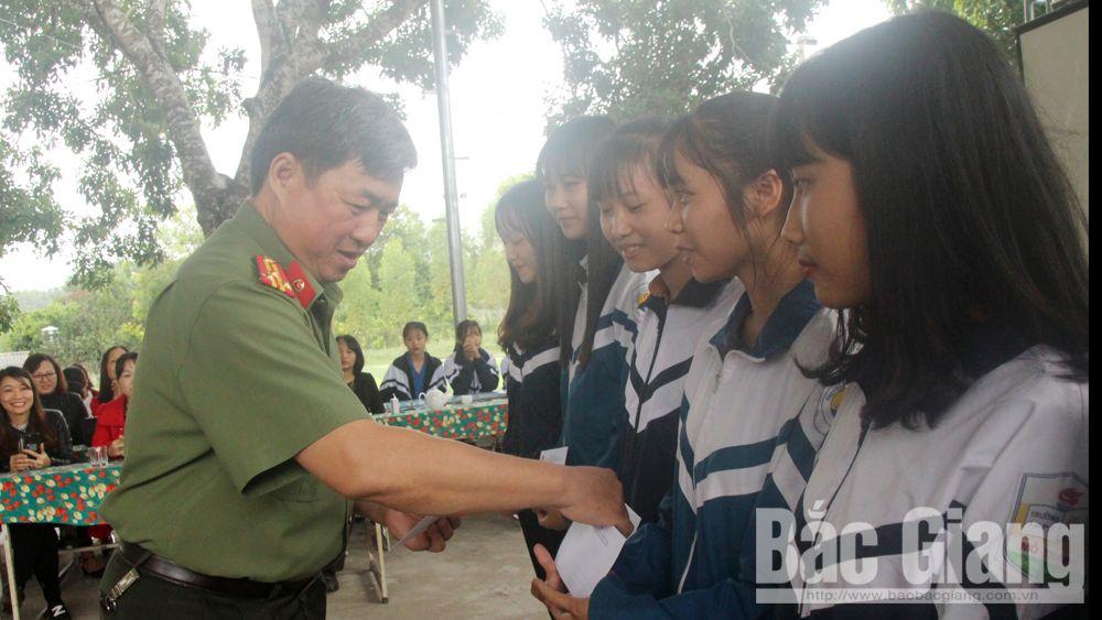 giáo dục kỹ năng sống, THPT Mỏ Trạng, PGS.TS Vi Thái Lang, nói chuyện chuyên đề,
