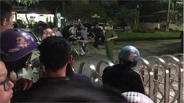 Công an nổ súng tại bệnh viện 'giải cứu' 5 người bị truy sát