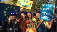 700.000 người Anh tuần hành đòi bỏ phiếu lần hai về Brexit