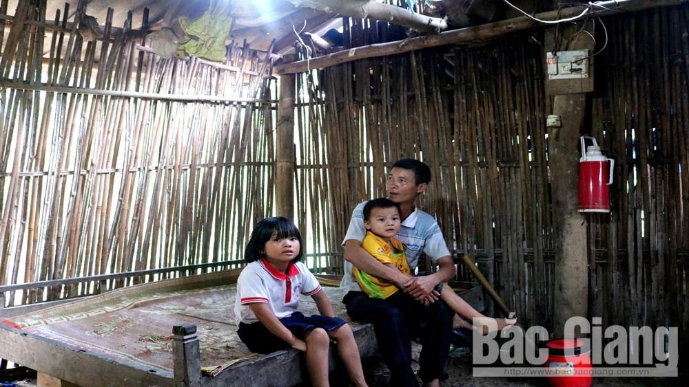 Hoàn cảnh thương tâm, bố con người Dao, xã Vân Sơn, Sơn Động