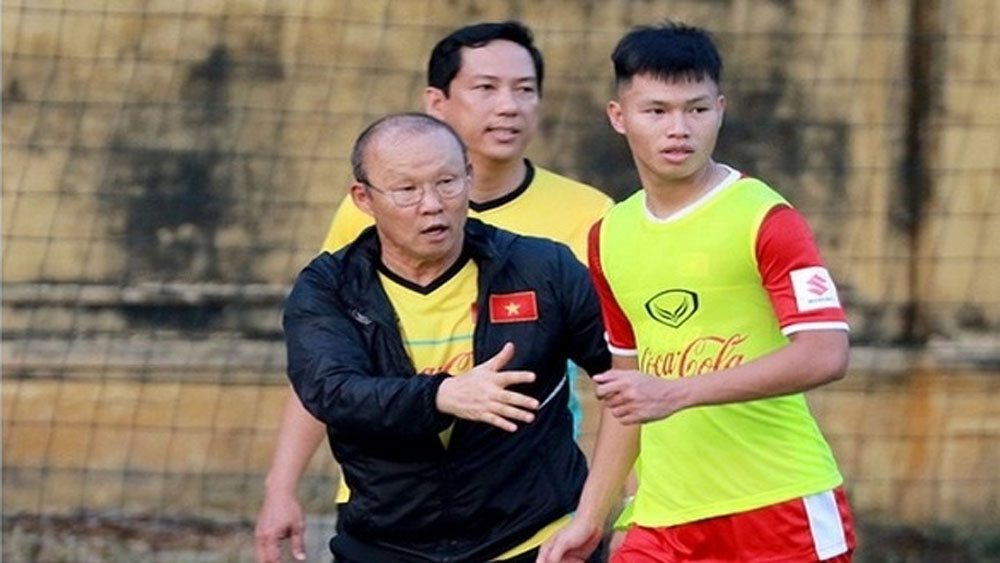 Vietnam national football team on active training in ROK