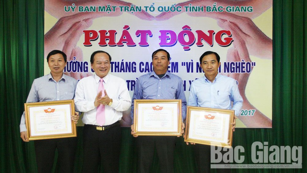 Over 700 million VND donated to Fund for the poor