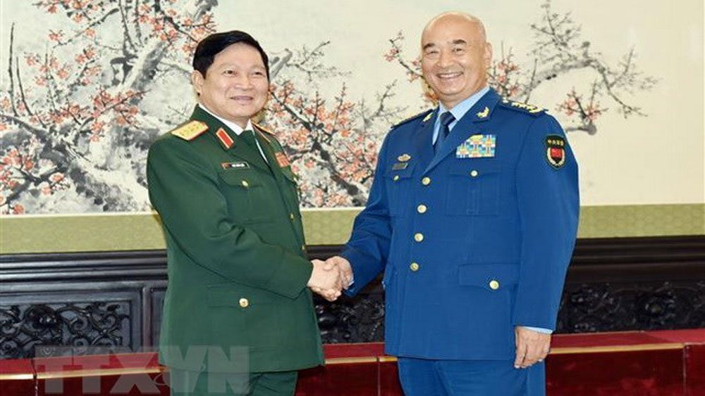 Vietnam, China beef up defence ties