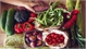 Ăn nhiều rau xanh, củ quả, trái cây để giảm tác hại của thuốc lá