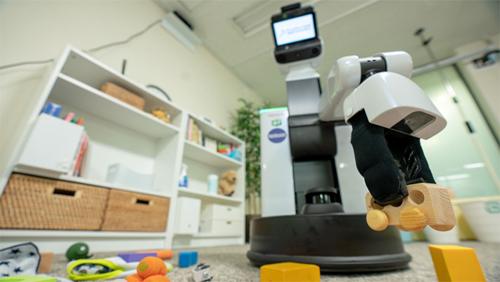 Robot Nhật Bản tự dọn phòng và tìm đồ
