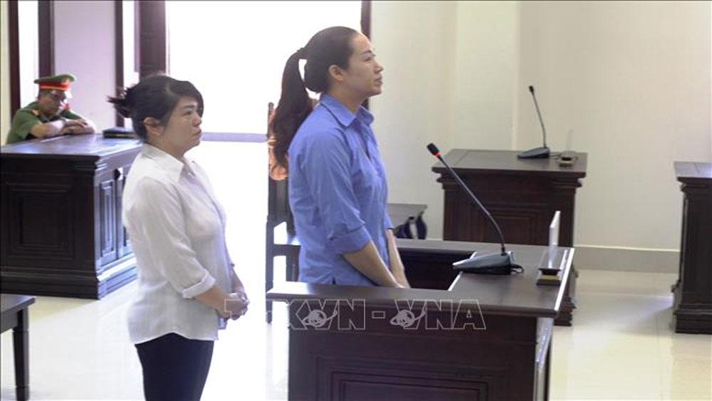 Hai bị cáo bị tuyên phạt 40 năm tù về hành vi buôn bán ma túy qua biên giới