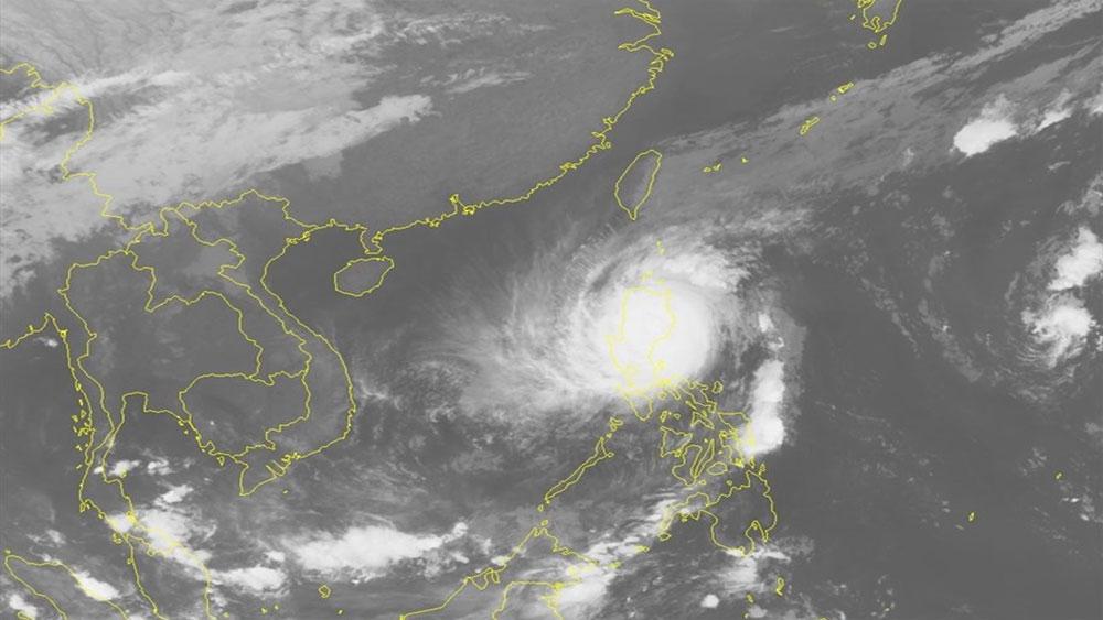 Bão số 7 Yutu tấn công khiến biển động dữ dội, không khí lạnh tiếp tục ảnh hưởng tới miền Bắc