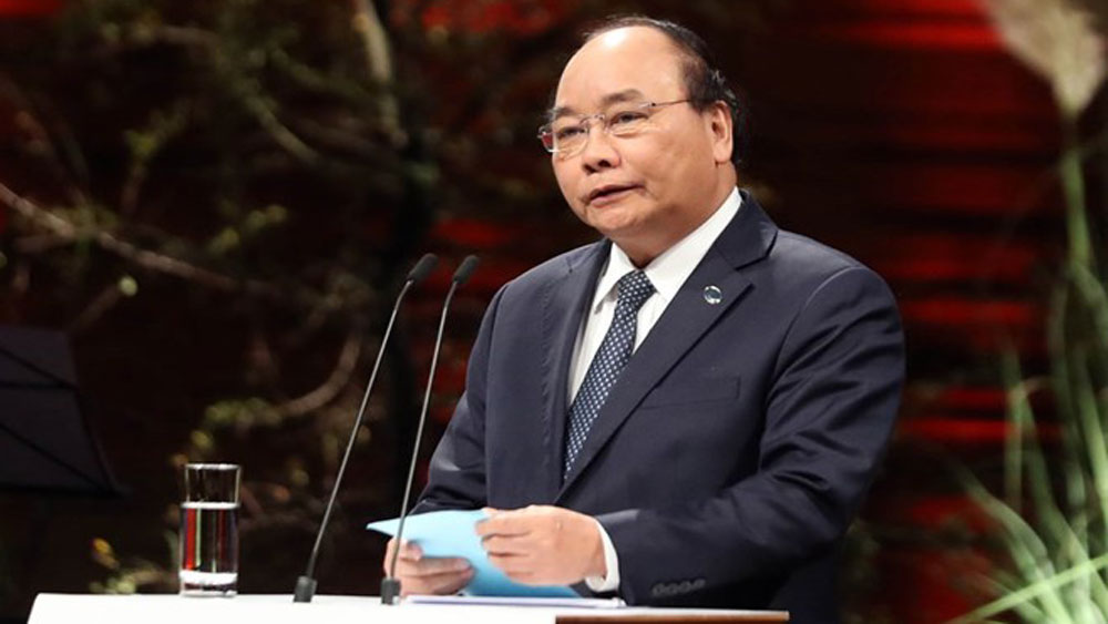 PM Nguyen Xuan Phuc to attend China's international import expo