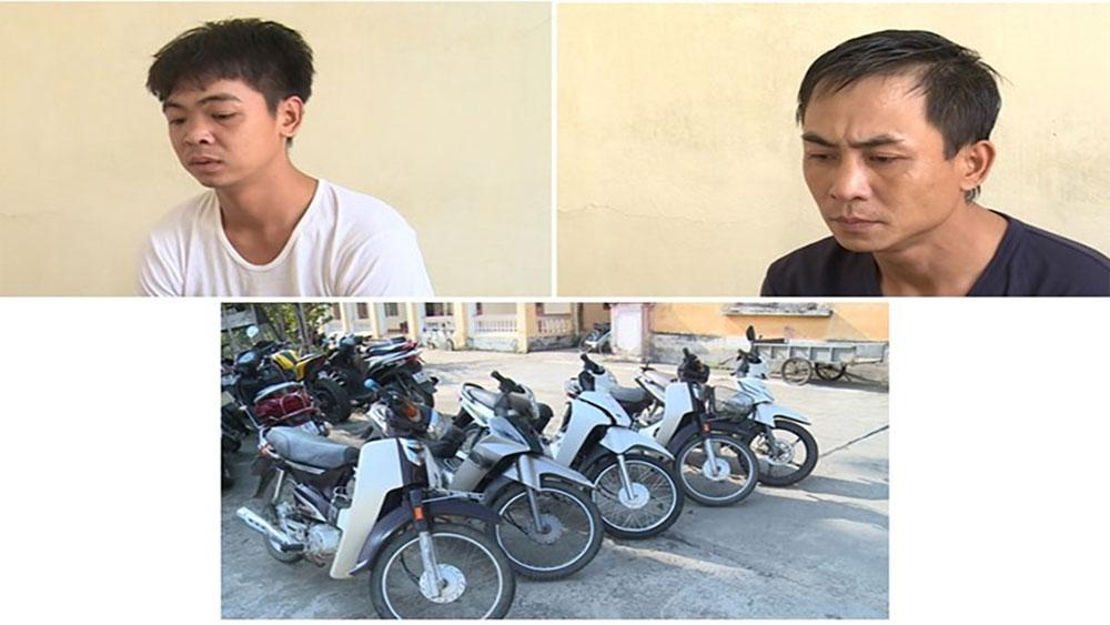 """Hai """"siêu trộm"""" gây ra 13 vụ trộm cắp xe máy ở Thái Bình sa lưới"""
