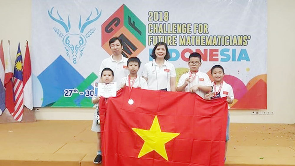 Hanoi students, 2018 Challenge, Future Mathematicians, Hanoi delegation, individual and team prizes, young mathematicians,  international contest