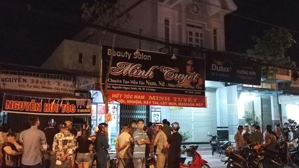 Đôi nam nữ tử vong bất thường trong tiệm hớt tóc