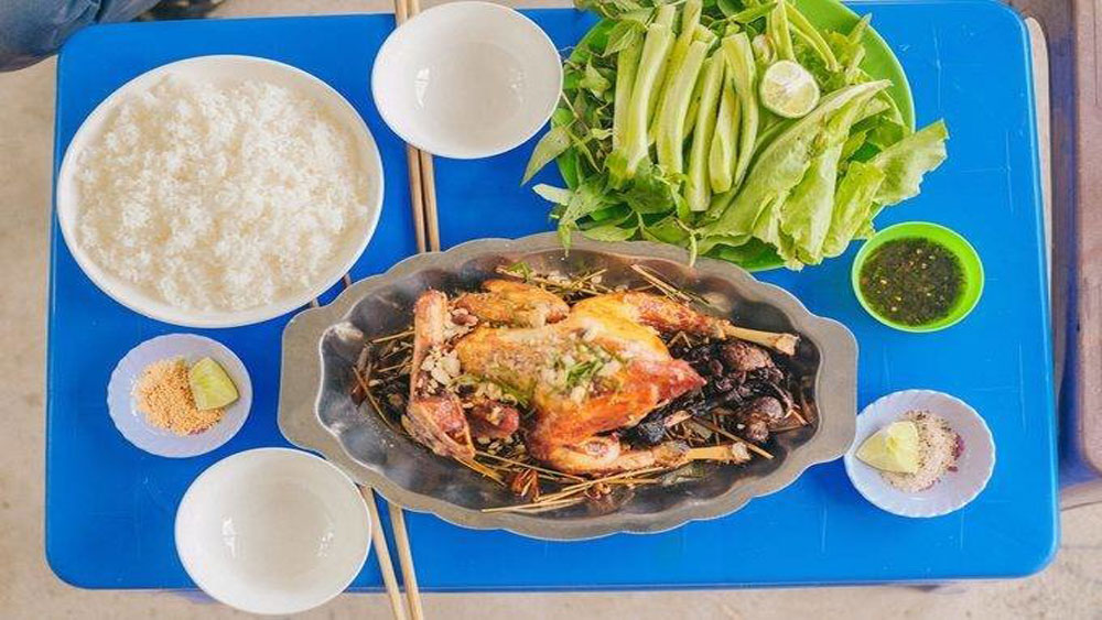Khmer recipe, delicious dish, fragrant grilled chicken, gastronome's delight, picturesque scenery, kaffir lime leaves, eye-catching golden color