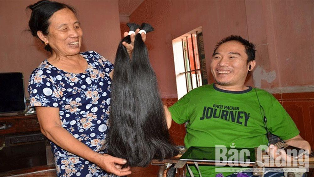 Chàng trai khuyết tật Nguyễn Minh Nhật: Chỉ một ngón tay, thay đổi số phận