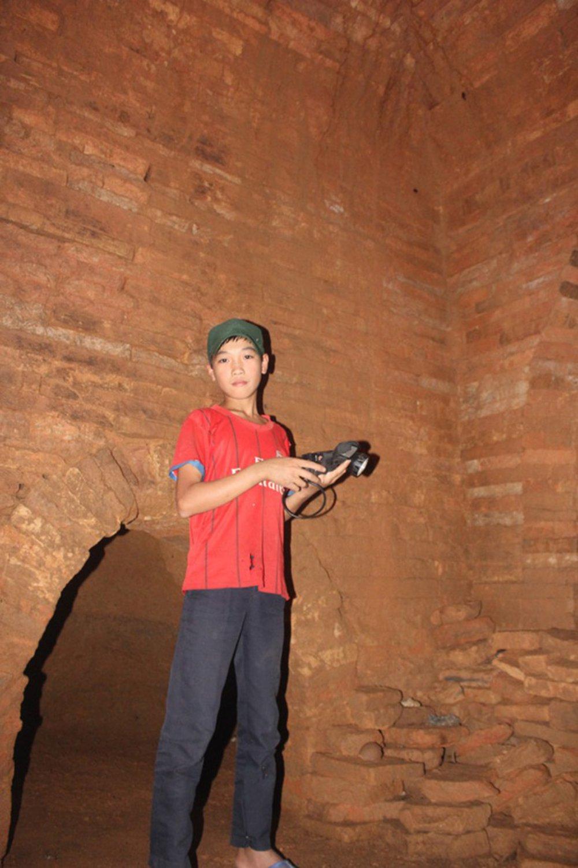 Hố vàng, nhà khảo cổ, khai quật, yểm bùa, niên đại, kho báu, viện khảo cổ, yểm trinh nữ, ngôi mộ khổng lồ