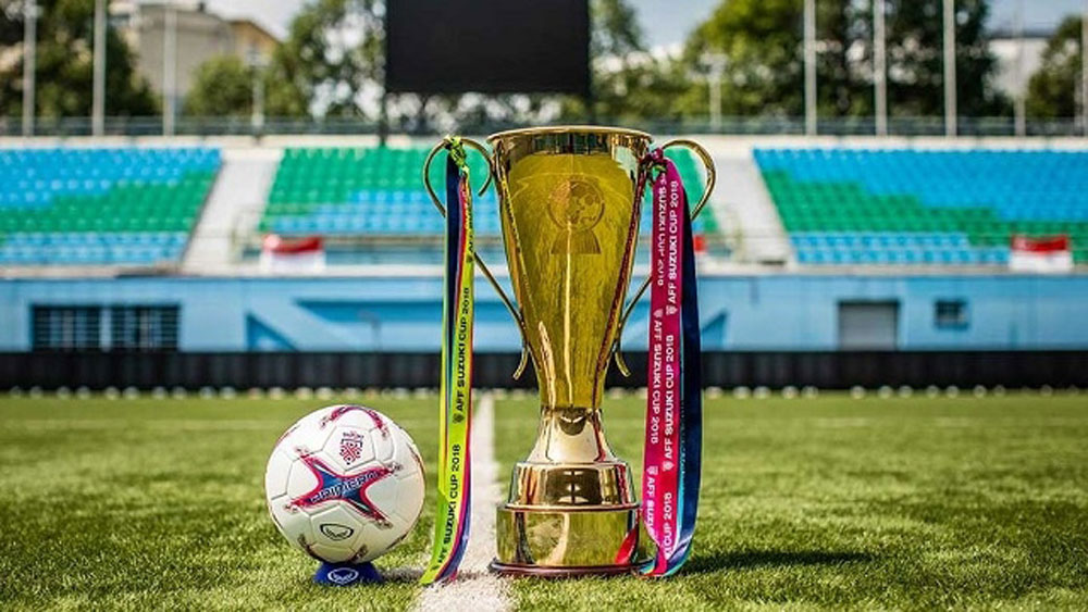 AFF, Suzuki Cup Trophy, Hanoi, region's biggest football tournament, fine performances, football freestyle team