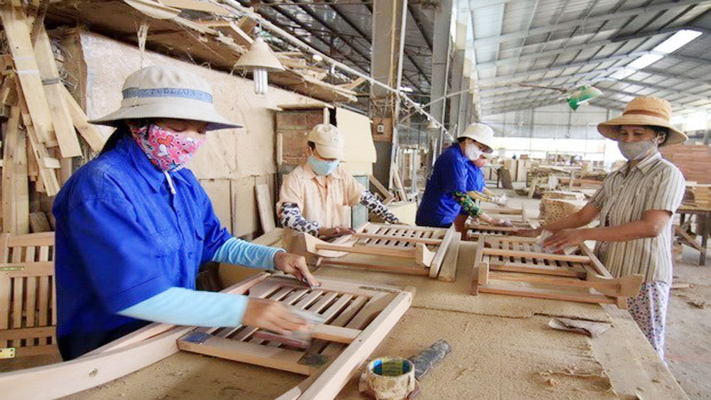 Over 400 Vietnamese wood exporters to Europe
