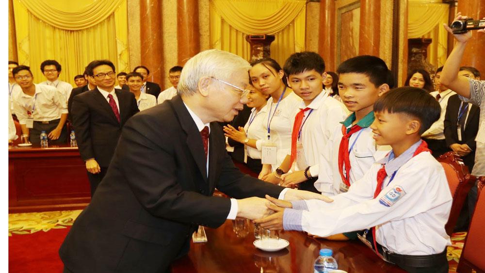 Tổng Bí thư, Chủ tịch nước, Nguyễn Phú Trọng, gặp mặt, thân mật, Đoàn học sinh, sinh viên, tiêu biểu, xuất sắc