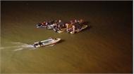 Hà Nội: Đã tìm thấy 2 nạn nhân trong vụ ô tô lao xuống sông Hồng