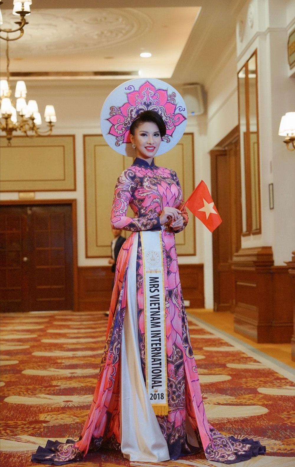 Tiếp viên, Vietnam Airlines, đăng quang, Hoa hậu quý bà Quốc tế 2018