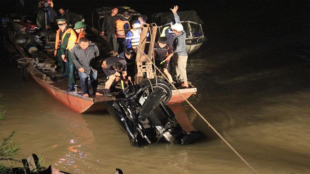 Danh tính, nữ nạn nhân, xe Mercedes, rơi xuống sông Hồng