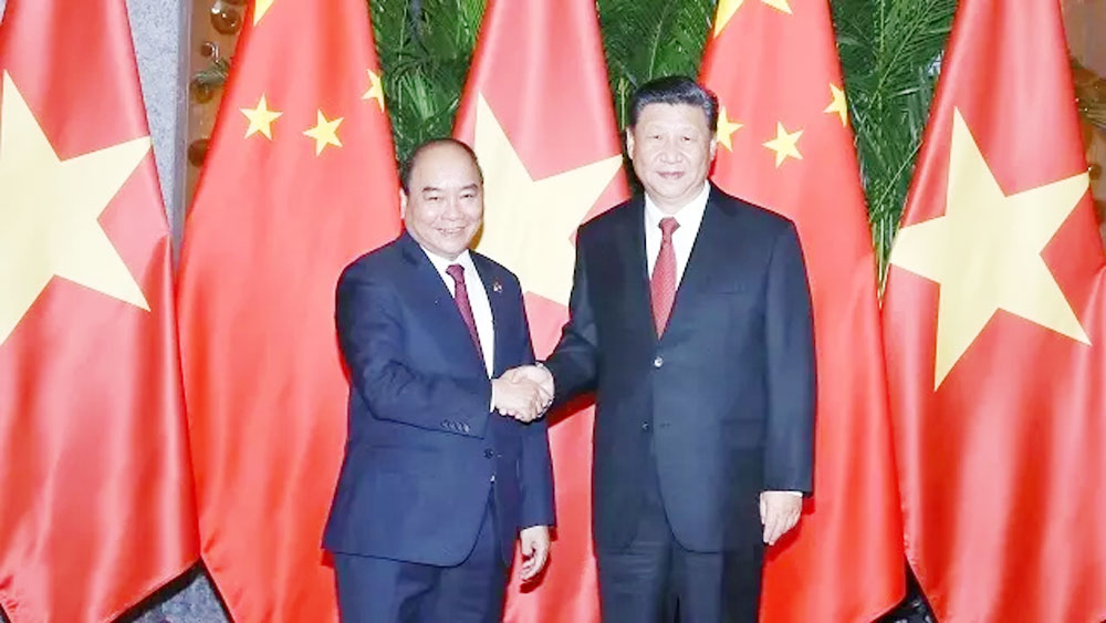 Vietnam, China, top priorities, sustainable relationship,  foreign policy, Prime Minister, Nguyen Xuan Phuc, International Import Expo, high-level visits, mutual political trust, promote important cooperation, practical progress
