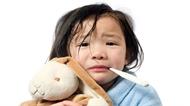 Xử trí thế nào khi trẻ sốt xuất huyết ?