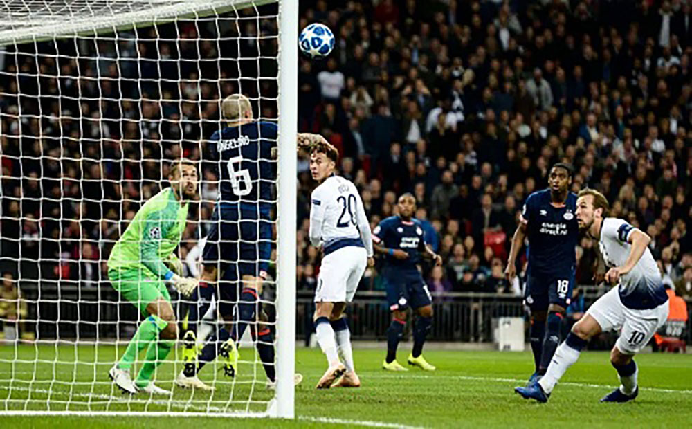 Harry Kane, lập cú đúp, Tottenham, PSV, Champions League