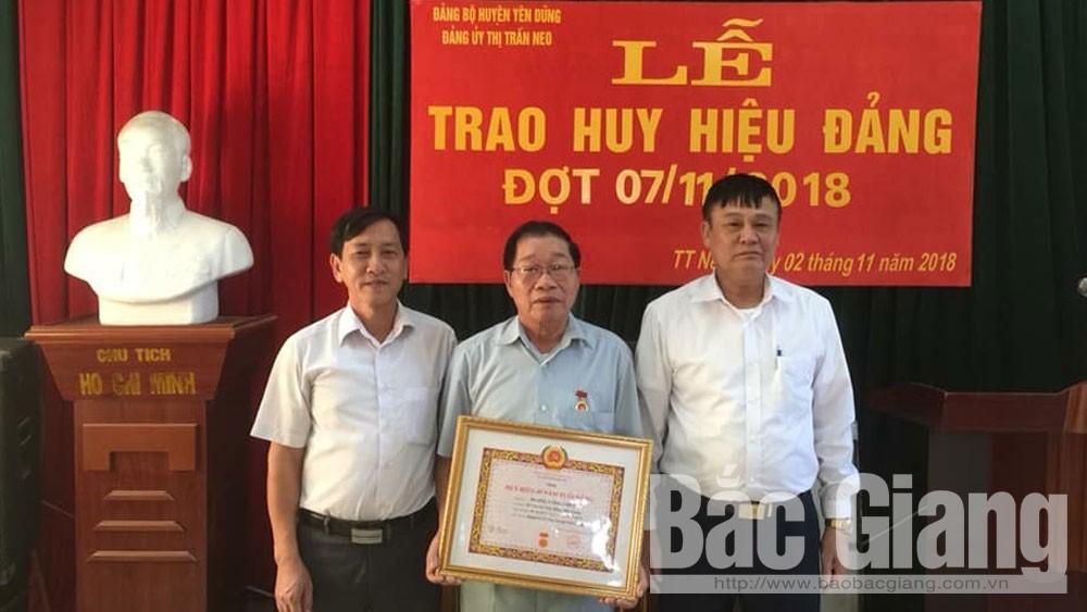 Yên Dũng, trao tặng, đảng viên, huy hiệu Đảng, Báo Bắc Giang, tỉnh Bắc Giang