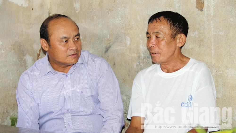 Chủ tịch UBND tỉnh Nguyễn Văn Linh thăm, tặng quà nạn nhân tai nạn giao thông ở TP Bắc Giang