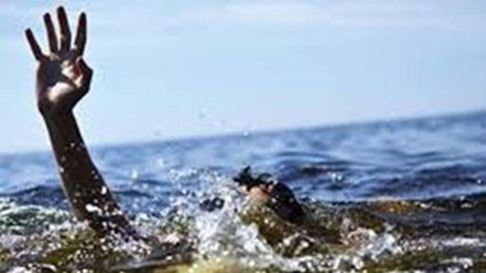 Quảng Ngãi, tìm thấy, thi thể nạn nhân, sóng biển, cuốn trôi