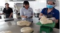 Chà bông gà nhiễm tụ cầu - thủ phạm khiến 55 người ăn bánh mỳ nhập viện
