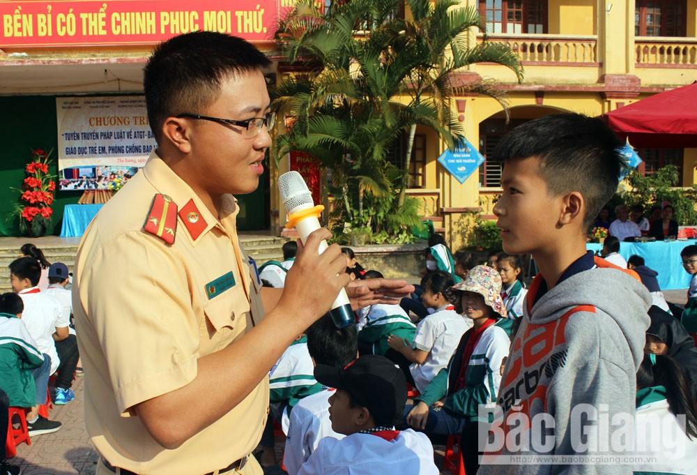 Bắc Giang, cơ quan, đơn vị, doanh nghiệp, Ngày Pháp luật Việt Nam 9-11, pháp luật